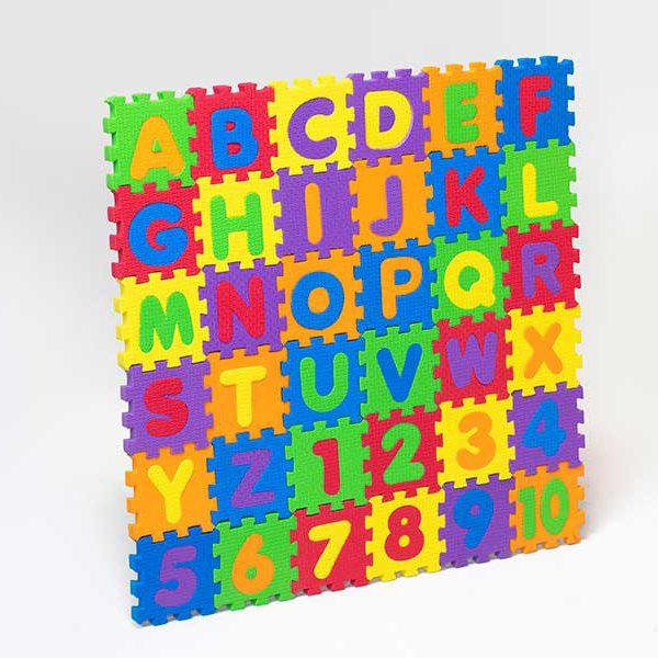 پازل و حروف اعدادلاتین